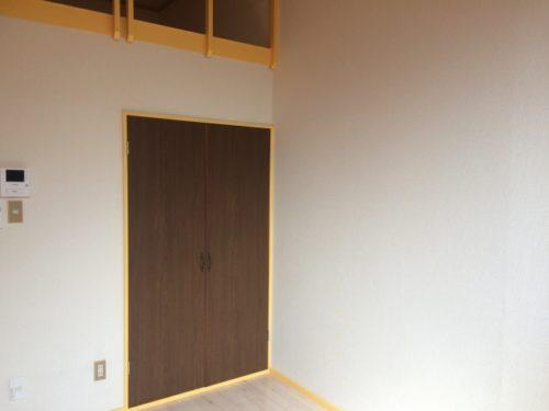 特殊清掃で壁紙張り替え