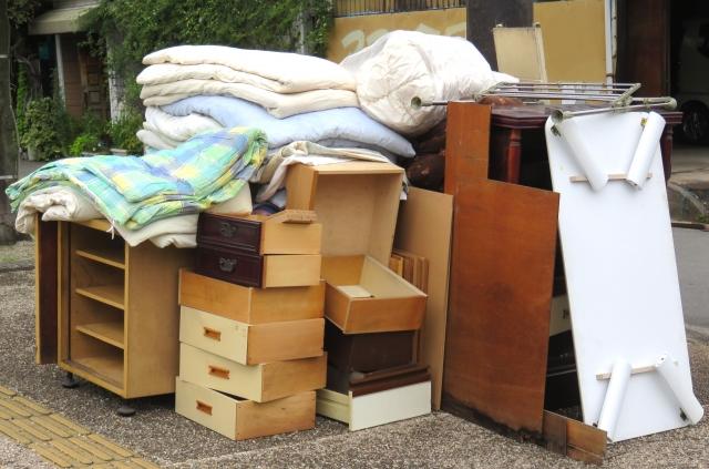 残置物処分の料金相場と業者の選び方